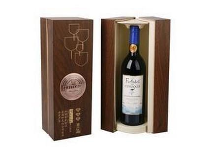 红酒木盒  通常包括原木葡萄酒盒(多用材质